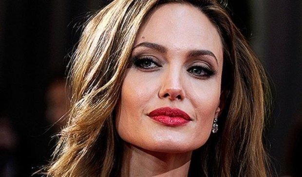 В СМИ заговорили о новом избраннике Джоли