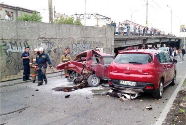 Смертність на дорогах Києва поборють за голландською системою