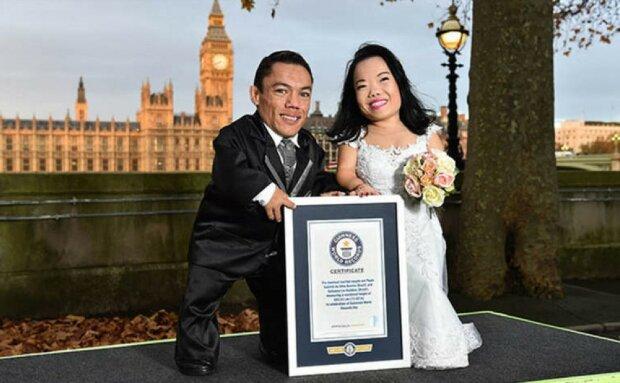 """180 см на двох: подружжя потрапило до Книги рекордів Гіннеса і показало """"крихітну любов"""""""