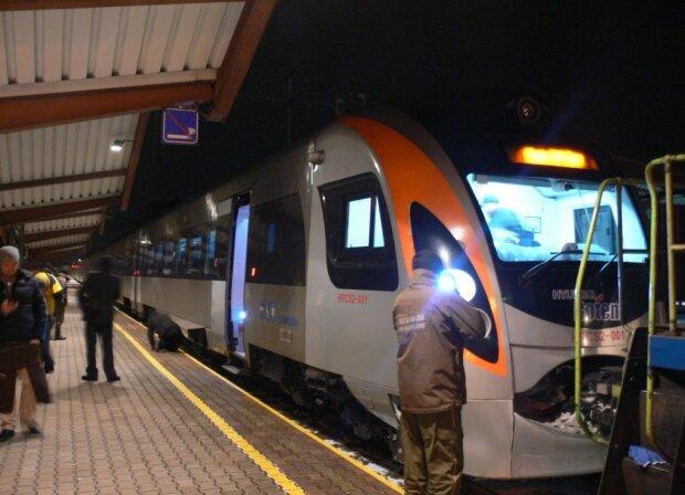 Поїзд, фото: Mignews