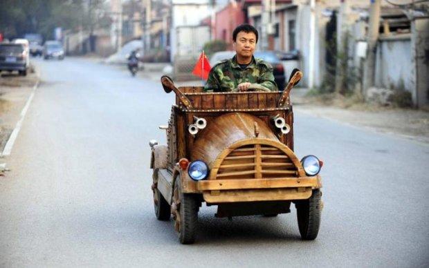 """Китай ставит палки в колеса """"грязным"""" машинам"""