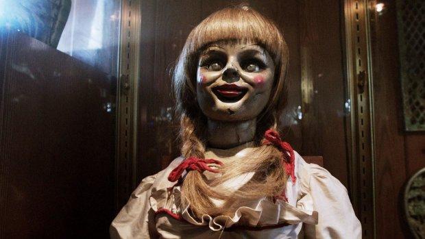 Ніжний хоррор: дівчина нажахала світ розповіддю про інтим та весілля з зомбі-лялькою
