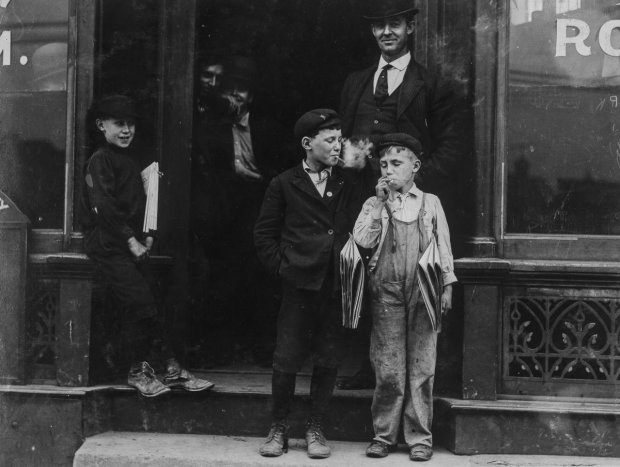 Со взрослыми наравне: старинные фотографии о непростой повседневной жизни американских детей