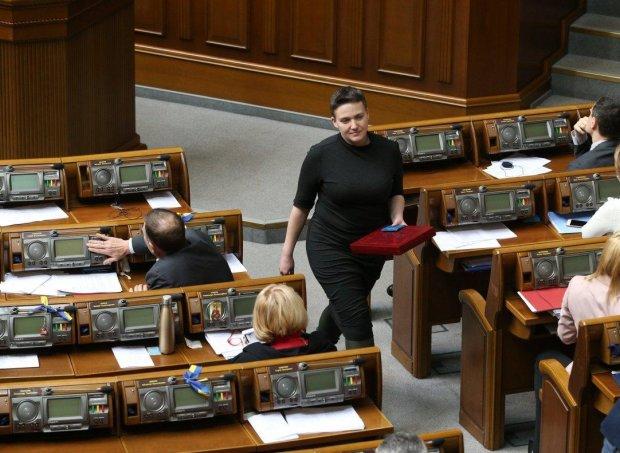 """Савченко """"выбрала"""" между Порошенко и Зеленским: украинцы давно догадывались"""