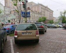 авто з іноземною реєстрацією