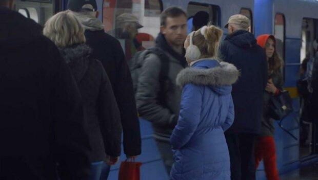 До літа на таксі - коли запрацює київське метро