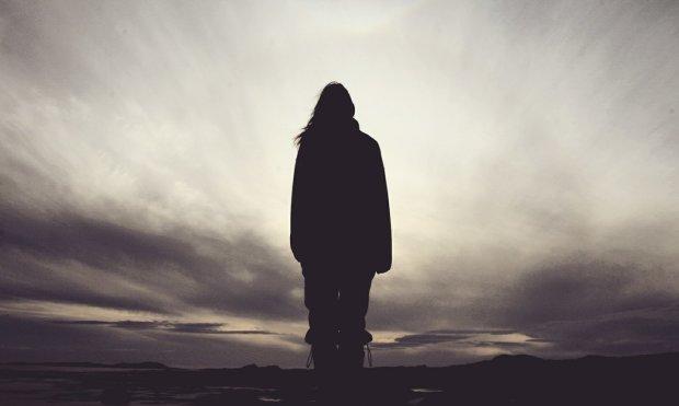 Таємнича тінь відкрила портал до світу неживих: моторошне фото