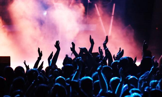 """Экс-бойфренд Кайли Дженнер """"взорвет"""" сцену столицы уже на выходных: какие грандиозные концерты ждут киевлян"""