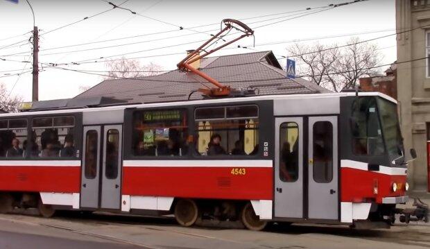 трамвай, скрін з відео