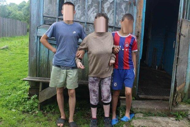 """У матері-одиначки з ДЦП відібрали маленького сина, сім'я благає про допомогу: """"Поверніть Михайлика додому"""""""