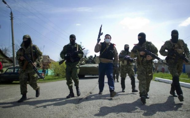 Боевики лупят по Донбассу, есть раненые: подробности