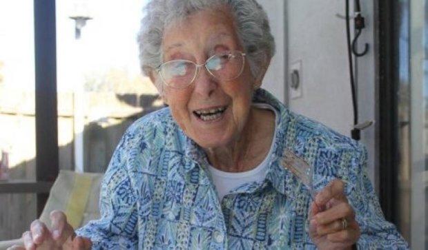 Замість лікування раку 90-річна жінка відправилася подорожувати