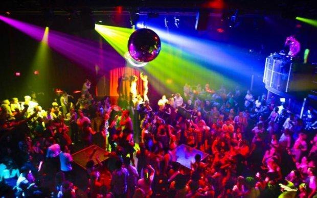 Кривава стрілянина у нічному клубі: безліч поранених