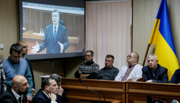 Адвокаты Януковича устроили гнусную провокацию в суде: они сдали Крым