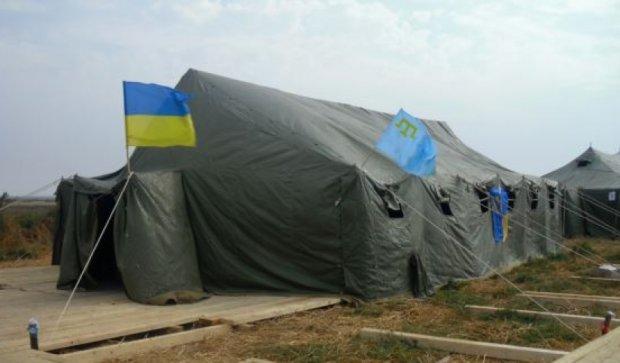 «Крымский Майдан» под Херсоном готовится к зиме (фото)