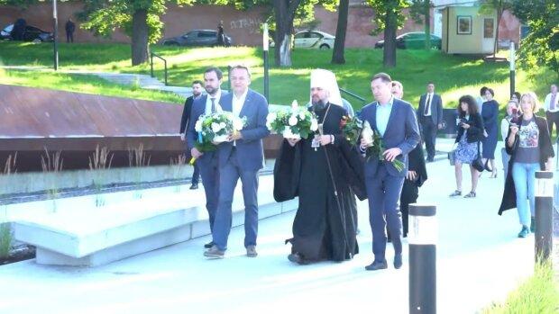 Митрополит Епіфаній терміново примчав до Львова і змусив Садового молитися