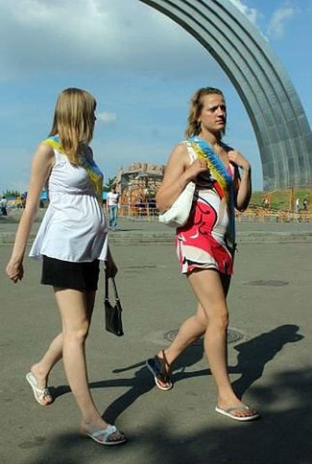 Спасайтесь в тайге: в сети смеются над одиночными представлениями путинцев в Крыму