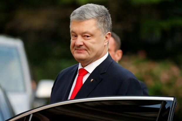 Головне за день, 11 жовтня: скасування податків, від'їзд Порошенка з країни та розбитий ніс Путіна