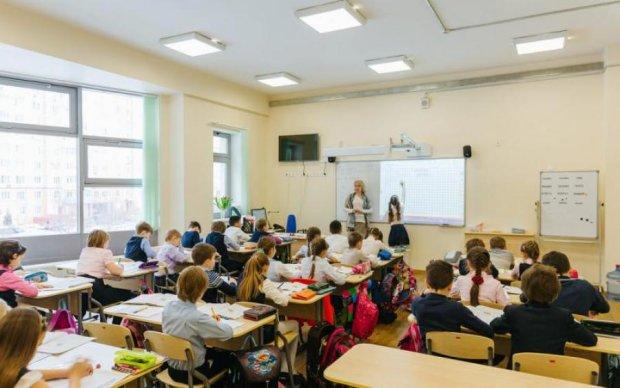 Треба згодувати авторам: школярів підсадили на ватні підручники