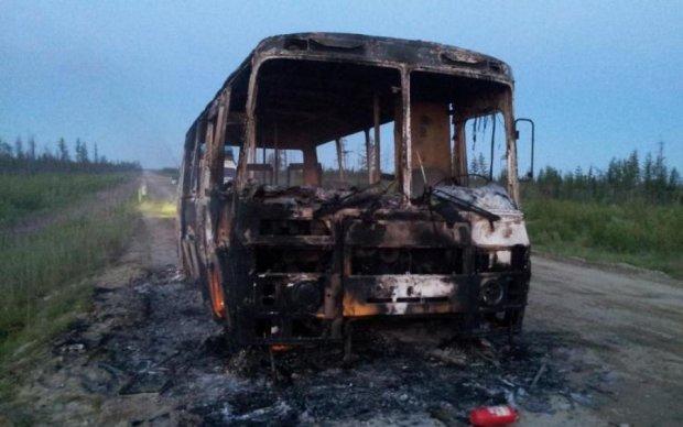 Полный автобус детей вспыхнул на трассе Одесса-Киев
