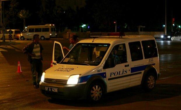 Турецкая полиция, скриншот: YouTube