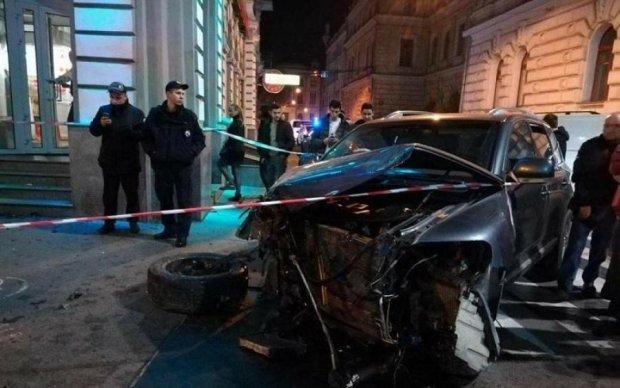 Копи розкрили обставини ДТП з мажоркою на Lexus