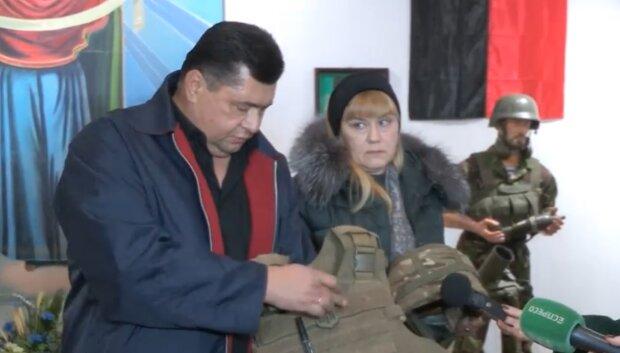 """Вещи погибших на Донбассе львовских героев """"оживили"""" в музее: """"Здесь кровь нашего сына - помните"""""""
