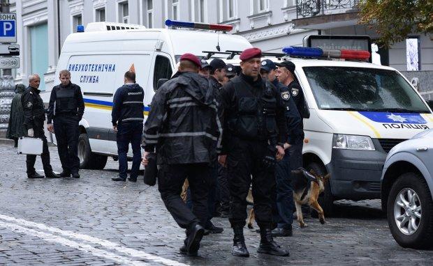 Неизвестные заминировали оборонный завод ВСУ: объявлена срочная эвакуация