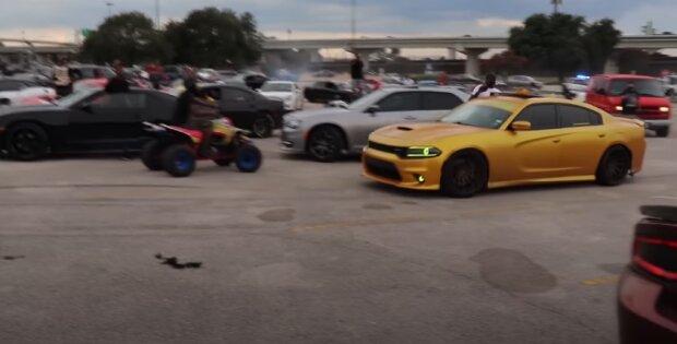 Dodge убегает от полиции, скриншот