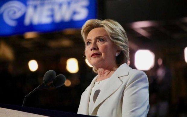 """Трамп вмешался: """"грязное белье"""" Клинтон досталось китайцам"""