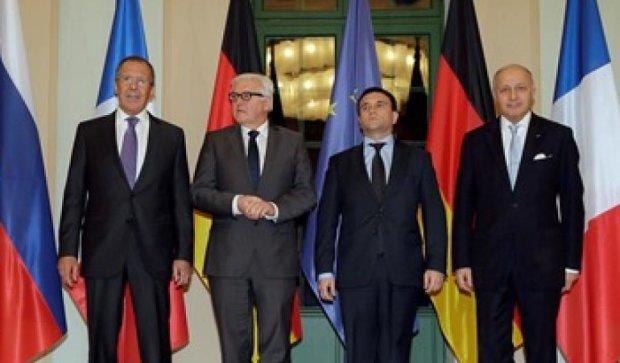 В Париже не смогли договориться про обмен пленными на Донбассе