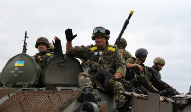 В Киеве АТОвцы заблокировали трассу и требуют обещанные земли