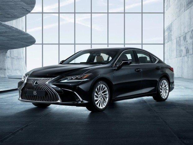 Нейромережа допомогла Lexus створити шедевральну рекламу: відео