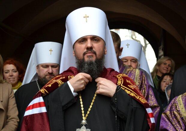 Священник ПЦУ едва не лишил жизни украинцев из-за угрозы коронавируса, Епифания призвали к ответу