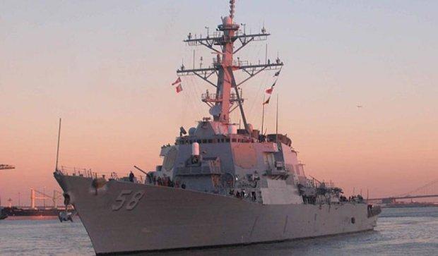 Американський есмінець входить в акваторію Чорного моря
