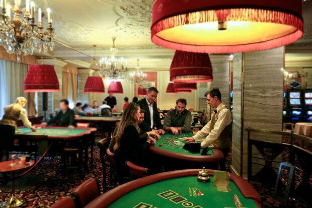 Зеленский сделает приятно лудоманам и легализует казино, но есть нюанс