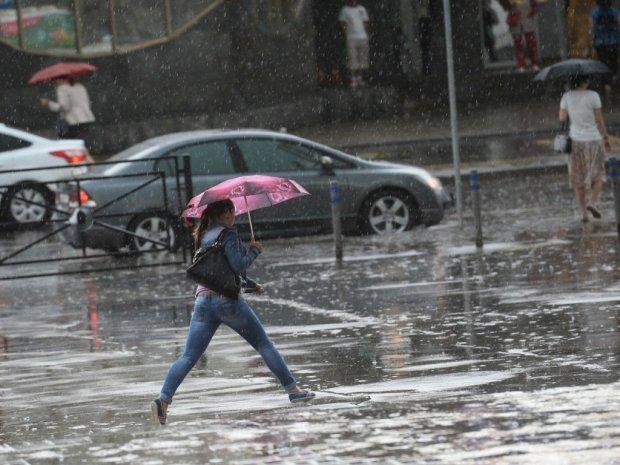 Погода на завтра: синоптик советует надевать калоши и пить лекарства