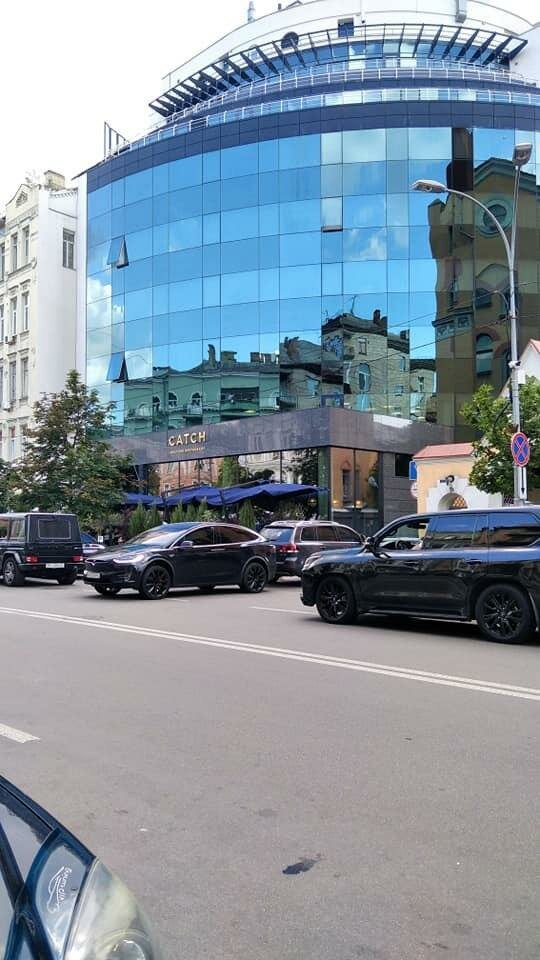 "Tesla Андрія Богдана, фото: Telegram-канал ""Україна в шоці"""