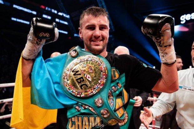 Александр Гвоздик нокаутировал Стивенсона и завоевал титул чемпиона мира