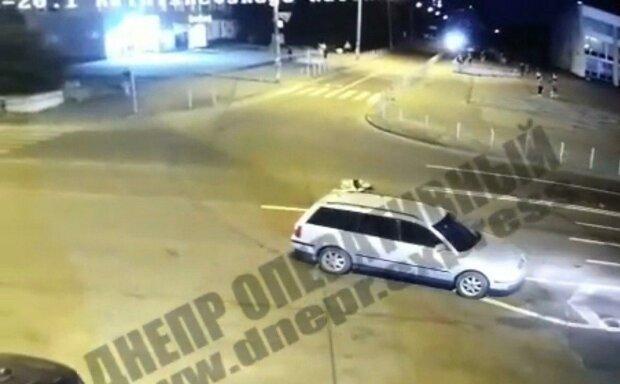 В Днепре шумахер сбил девушку и оставил умирать на дороге - разыскивают по всей Украине