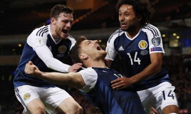 Футбольний фанат із Шотландії дотримався обіцянки і зробив тату на сідницях