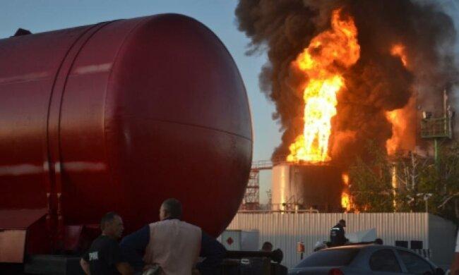 Укрзалізниця підготувала півсотні спецпотягів для гасіння пожеж
