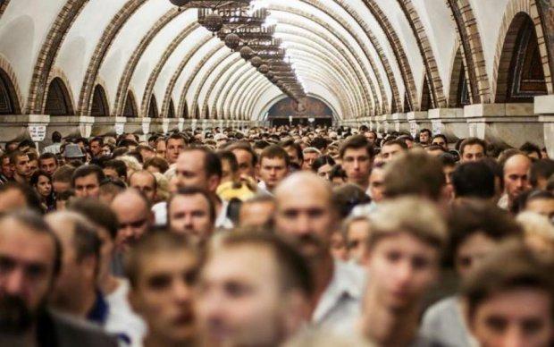 Реклама в киевском метро: в чьи карманы уходят милионные прибыли