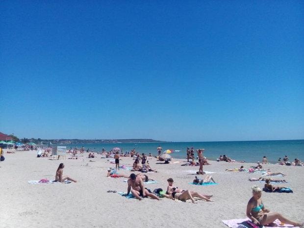 """""""Геть з пляжу"""": в Одесі забороняють купатися, в морі спливла скандальна правда"""