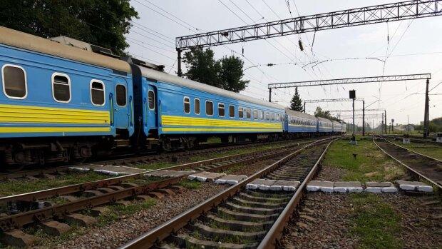 Поезд, фото иллюстративное