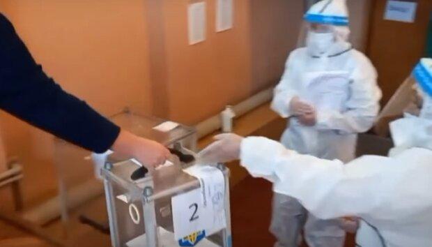 Вибори в Івано-Франківську, кадр з репортажу ТСН, зображення ілюстративне: YouTube