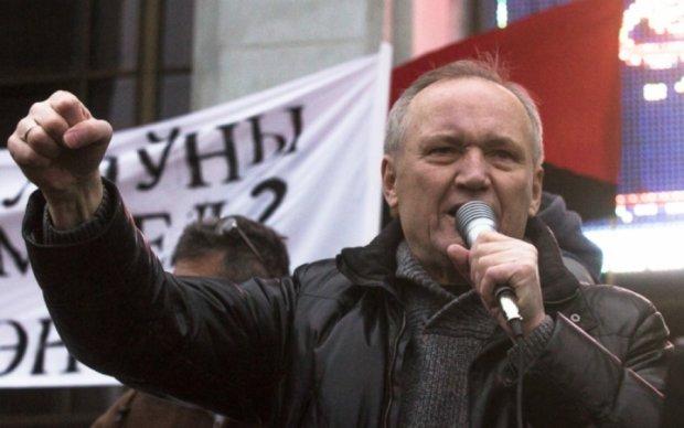 Лидера белорусской оппозиции бросили в изолятор