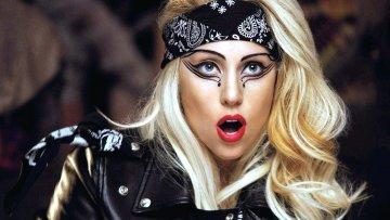 Леді Гага відірвалася з сексуальним ґвалтівником: тепер знищує відео