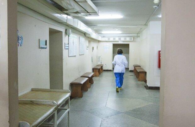 Посинел и умер! Киев всколыхнула трагедия в поликлинике