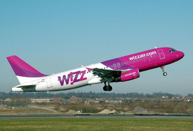Wizz Air раптово скасувала десятки рейсів із Києва: ніхто нікуди не летить